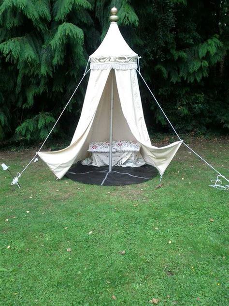 making  jousting tent bunting flag  floor