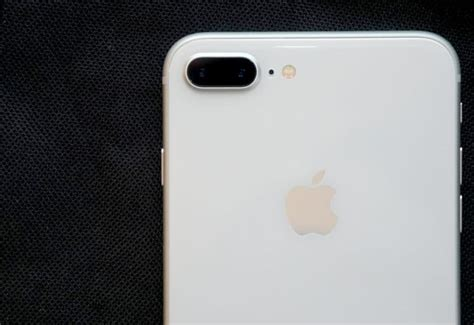 iphone   review solid improvements boost   great device