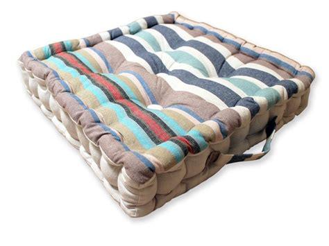 cuscini pouf cuscini da pavimento crea la tua oasi di relax con i
