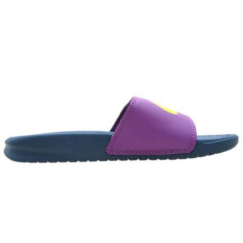 Sandal Pria Nike Solarsoft Biru Berkualitas sandal wanita nike benassi swoosh 312432 430 hadir dalam perpaduan warna yaitu warna biru tua