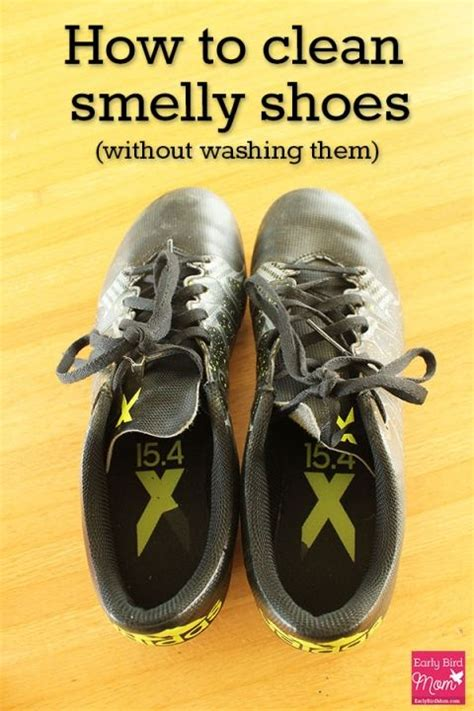 how to clean white athletic shoes how to clean sport shoes 28 images how to clean white