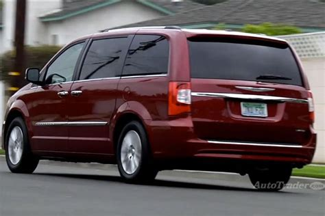 chrysler town country review 2013 chrysler town country new car review
