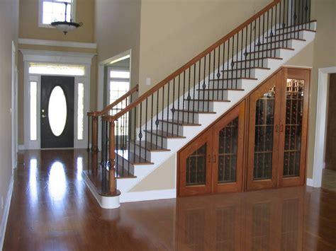 contoh desain lemari bawah tangga desain lemari bawah tangga minimalis dinerbacklot