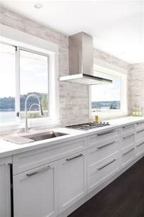 Modern Kitchen With White Cabinets The World S Catalog Of Ideas