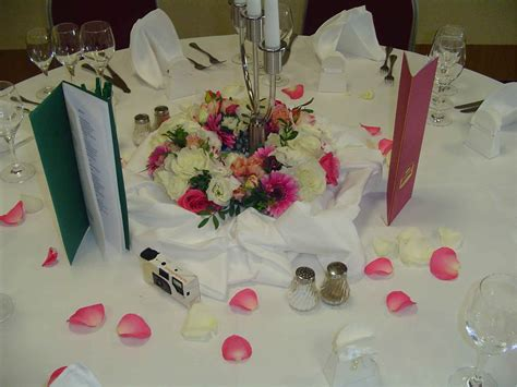 Blumendeko Tisch Hochzeit by Blumendeko Wiebach Produkt 3
