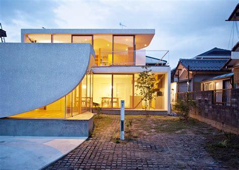 Log House Floor Plans tsuyoshi kawata designs a charming curved house in japan