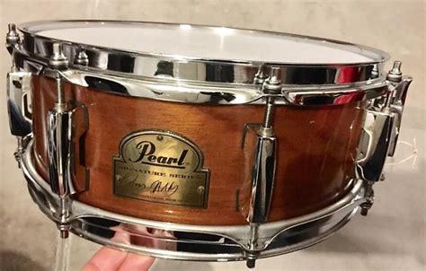 Pearl Omar Hakim 13 X 5 Snare Drum pearl 13x5 omar hakim signature snare drum 6 ply