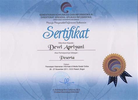 sertifikat mengikuti seminar  workshop dewiuwie