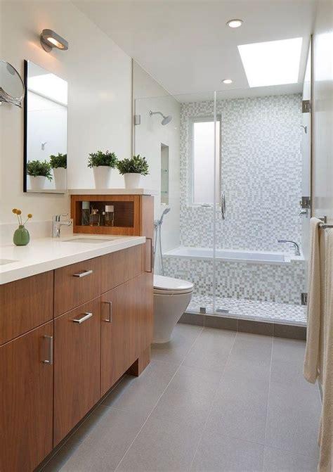 badezimmer oberlichter kleine b 228 der ideen wanne dusche glaswand abtrennung