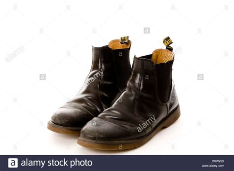 Sepatu Boot Dr Martin inspirasi sepatu kulit manding black leather boot shoes mens and doc martin doctor boots