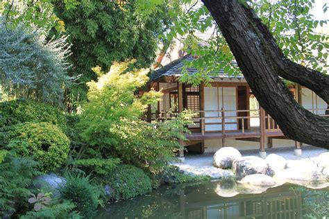 pavillon japonais file pavillon du th 233 jardin japonais toulouse jpg