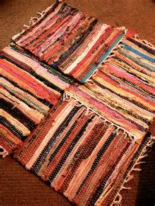 How To Turn Fabric Into A Rug by How To Turn A Placemat Into A Rag Rug Pocket