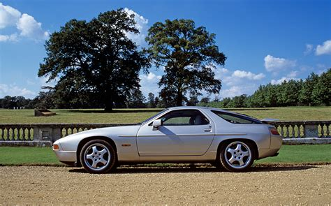 80s porsche 928 forget property cars are proving the best