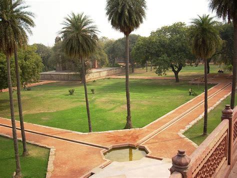 char bagh garden humayuns tomb delhi  mughals