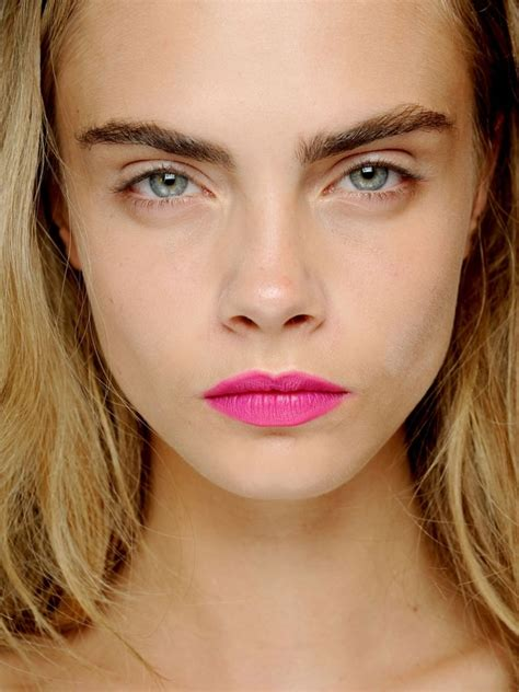 7 Easy Tricks To Look Younger by 7 Simple Makeup Tricks To Make You Look Younger Makeup