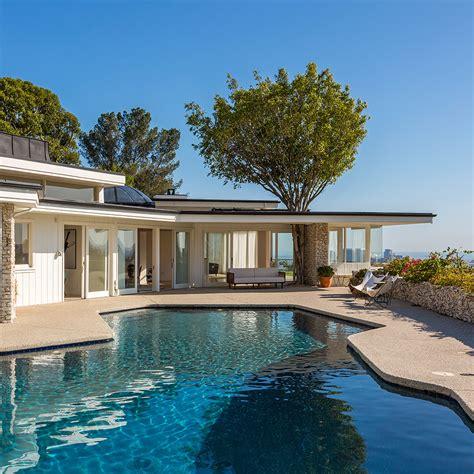 elviss house    sale   modest  million