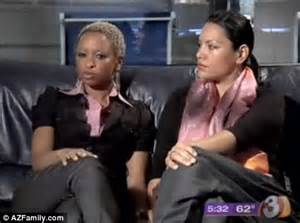 lesbians in restaurant bathroom lesbian couple kicked out of restaurant for sharing a