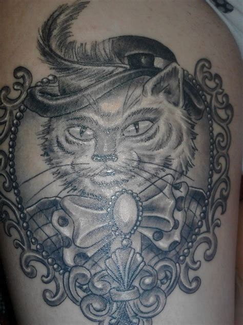 tattoo cat in frame cat in frame tattoo tattoo pinterest cats frames