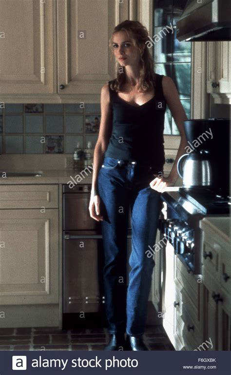 Lilly Le by Sep 07 2001 Saffron Burrows As