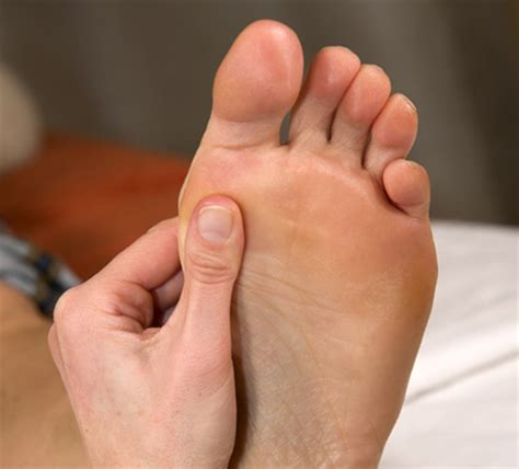 kribbeln im fuß beim liegen ursachen und symptome diabetes fuss