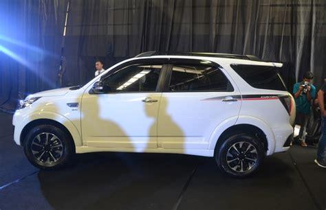 Cover Ban Terios The Carsh Putih Korea440gr daihatsu luncurkan terios custom yang lebih sporty oto