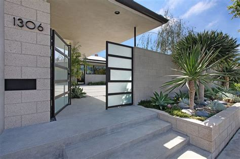 landscaping retaining wall entry midcentury  concrete