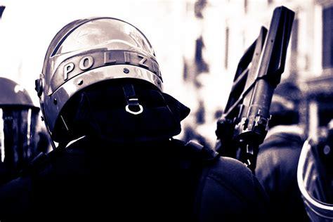 requisiti per il porto d armi forze di polizia finalmente attestazione di servizio