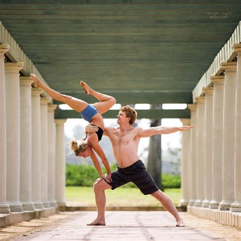 imagenes de gimnasia yoga best 25 partner acrobatics ideas on pinterest
