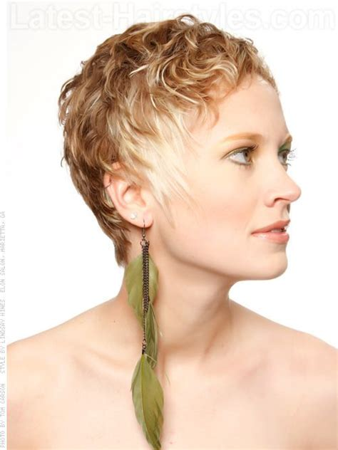 feathered curls pixie pinterest the world s catalog of ideas
