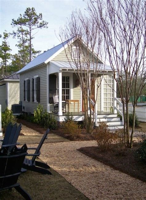C Pendleton Cottages by 1000 Images About Funky Playhouses And Tiny Homes