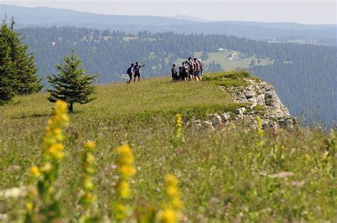 montagnes du jura le paradis des vacances au grand air tourisme en franche comte