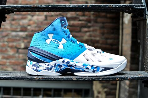 steph curry basketball shoes steph curry s new armour sneakers lit on