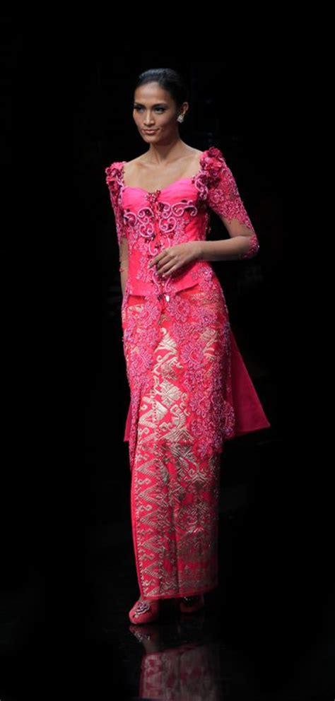 pin kebaya modern festivals in kebaya world fashion pinterest