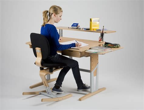 bureau evolutif enfant bureau enfant 233 volutif avec accessoirs moizi17 ergonomie