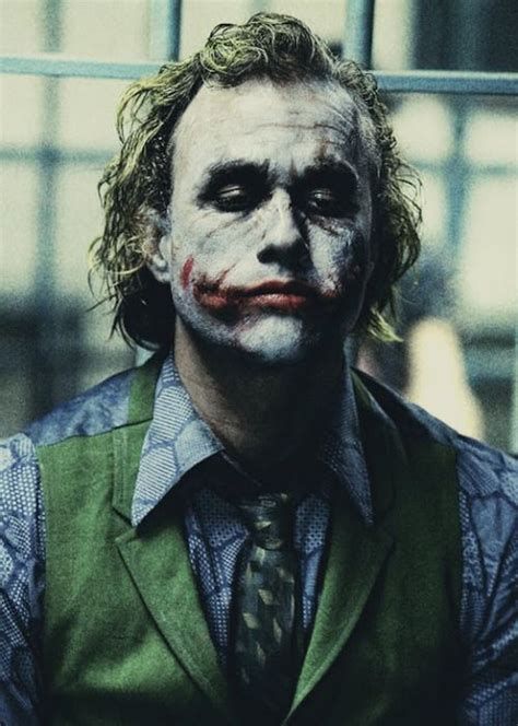 Heath Ledgers Joker Looks Familiar by Heath Ledger Joker에 관한 상위 25개 이상의 아이디어 다크나이트