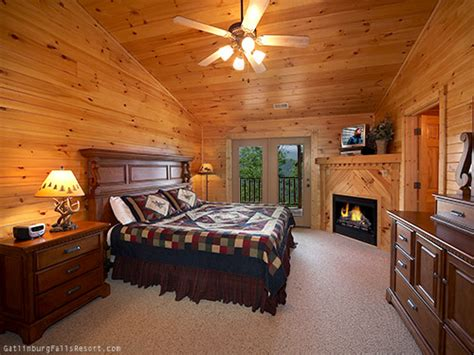 5 bedroom cabins in gatlinburg tn gatlinburg cabin majestic peaks 5 bedroom sleeps 20