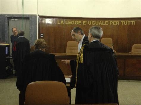interdizione ai pubblici uffici sentenza lo contro berlusconi due anni di interdizione