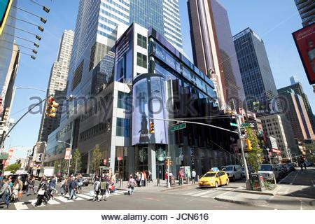 stanley broadway new york stanley office at times square with live electronic