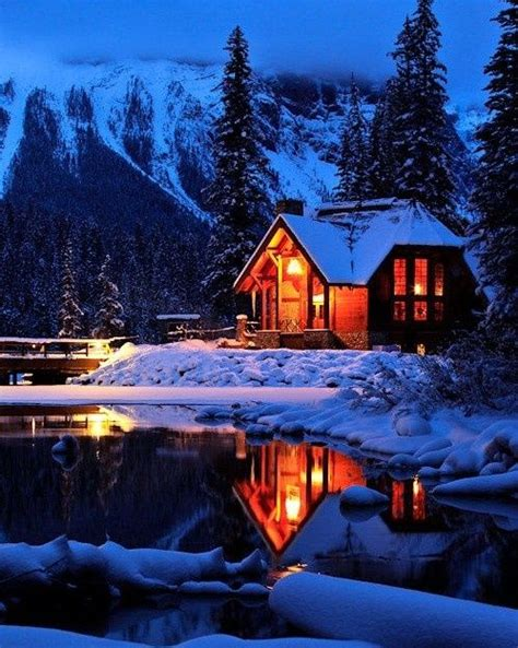 Snowy Mountains Cottages by Beautiful Lakes And On