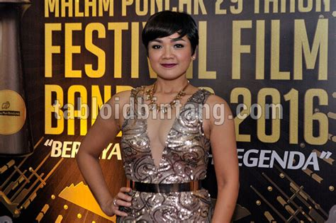 Nirina Dress nirina zubir berbalut sequin dress tabloidbintang