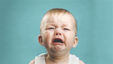 imagenes de bebes tristes llorando el club de las madres felices mi beb 233 llora 191 c 243 mo puedo
