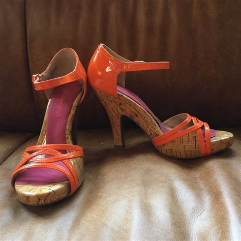 do sofft shoes run true to size 77 sofft shoes new sofft orange cork sandal heels