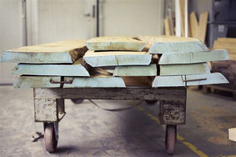 produzione complementi d arredo prototipi sedie e complementi d arredo in legno motterani