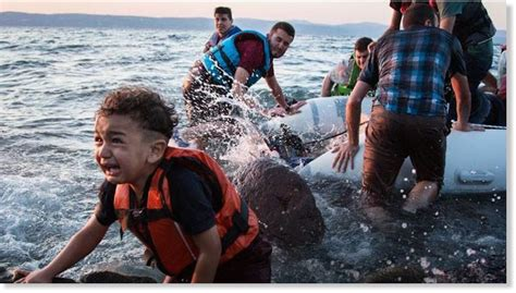 syrian refugees boat us kills 7 syrian refugees in new airstrike