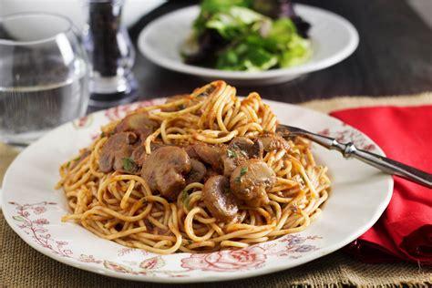 recipes with pasta spaghetti with mushroom tomato sauce erren s kitchen