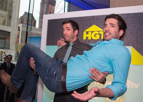 drew and jonathan 23 hilarious images of the property brothers drew and