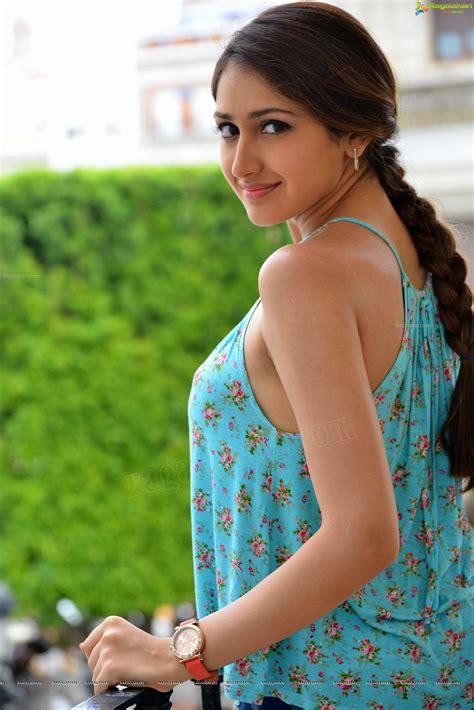 actress high definition photos beautiful indian film actress sayesha saigal high
