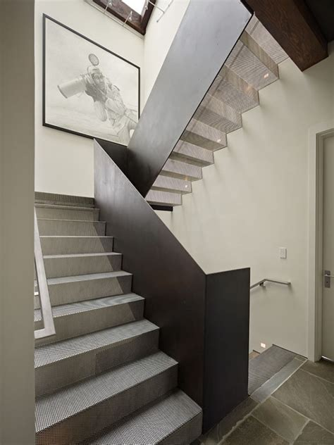 treppengeländer rund moderne innentreppe design ideen aus edelstahl treppen