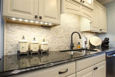 kitchen tile backsplash ideas with white cabinets travertine tile backsplash ideas in exclusive kitchen designs
