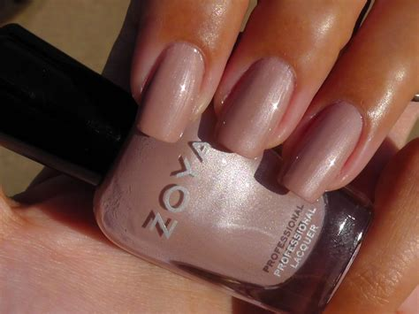 nail colors for skin choosing the best nail colors for your skin tone ayesha